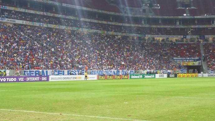Torcida do Cruzeiro no Mané Garrincha (Foto: Gabriel Duarte)
