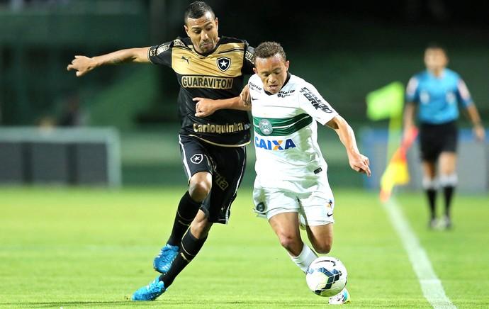 Carlinhos e Ramirez, Coritiba X Botafogo (Foto: Getty Images)