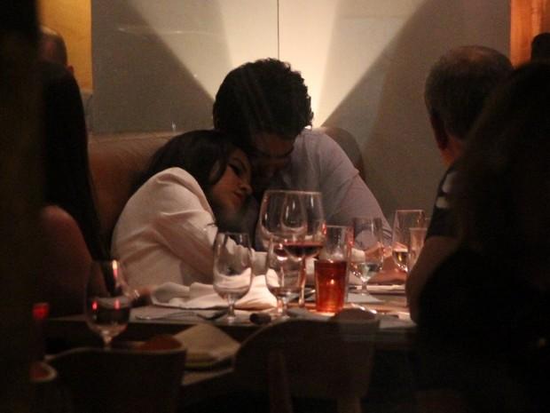 Mariana Rios com o namorado, Patrick Afonso Bulus, em restaurante no Leblon, Zona Sul do Rio (Foto: Rodrigo dos Anjos/ Ag. News)