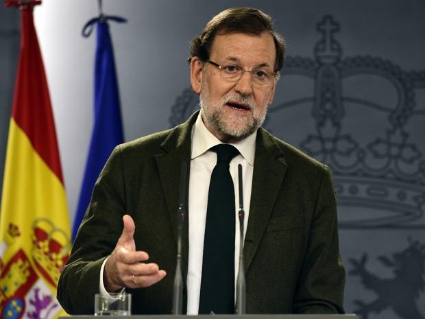 O primeiro ministro espanhol, Mariano Rajoy, fala durante coletiva de imprensa em Madri, na sexta (30) (Foto: AFP Photo/Javier Soriano)