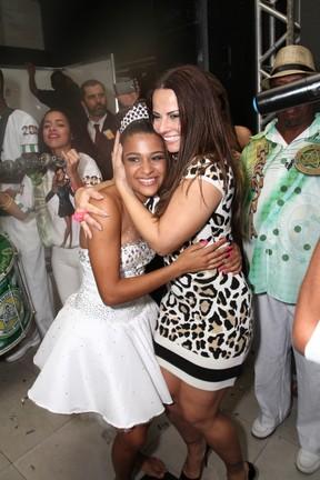 Thaíssa Siqueira e Viviane Araújo em festa na Zona Norte do Rio (Foto: Anderson Borde e Roberto Cristino/ Ag. News)