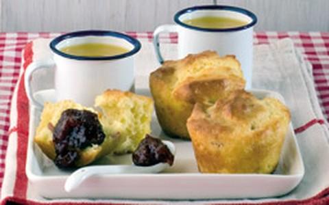Muffins e geleia de morango, maçã ou pera