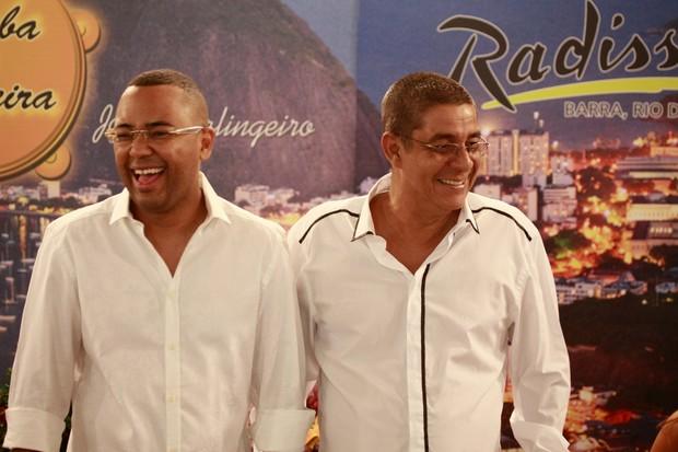Dudu Nobre e Zeca Pagodinho na gravação do programa Samba de Primeira (Foto: Isac Luz / EGO)