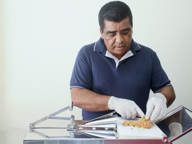 Máquina de fazer sushi e temaki é inventada por morador de SC (Foto: Eugênio Ferrão/Arquivo pessoal)