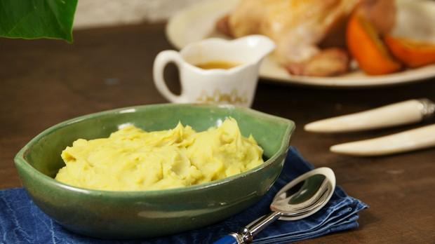 Cozinha prtica com rita lobo, episdio frango, pur de batata doce (Foto: Editora Panelinha/Gilberto Jr.)