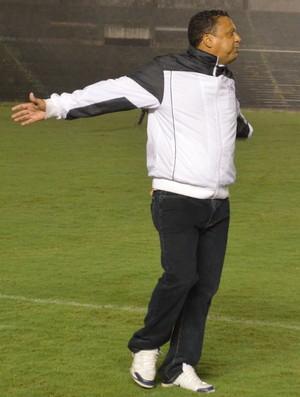 Luis Carlos Mendes, técnico Queimadense, Queimadense, Paraibano, 2ª divisão, Paraíba, Queimadas (Foto: Richardson Gray / Globoesporte.com/pb)