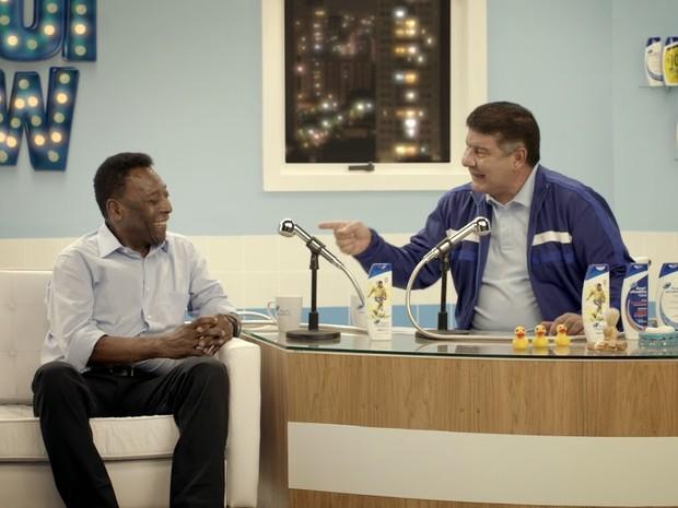 Joel apresenta 'tálqui show' e fala com Pelé em nova propaganda da Head & Shoulders (Foto: Divulgação)