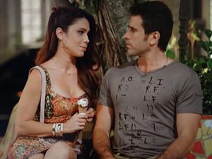 Lucilene finalmente quer se declarar para Ulisses (Foto: Guerra dos Sexos/TV Globo)