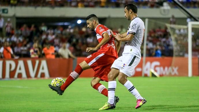 Magrão, meia do CRB (Foto: Ailton Cruz/Gazeta de Alagoas)