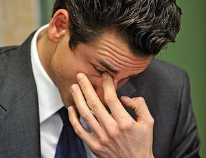 Adrian Sutil durante julgamento (Foto: AP)