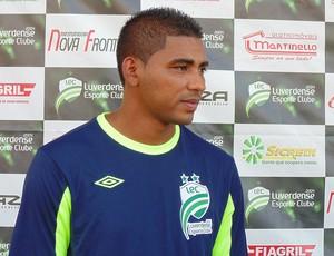 Carlos Antônio zagueiro do Luverdense (Foto: Assessoria/Luverdense Esporte Clube)