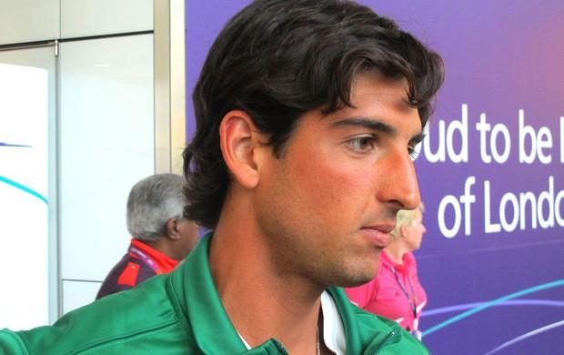 Bellucci chega a Londres com 'melhor tênis' na bagagem