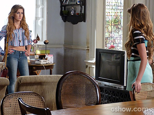 Sofia está decidida a ir atrás de Sidney (Foto: Malhação / TV Globo)