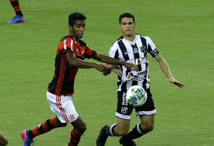 Classificado, Flamengo enfrenta Ceará na estreia de Givanildo