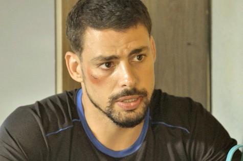 Juliano (Cauã Reymond) descobrirá esconderijo da facção (Foto: Divulgação/TV Globo)