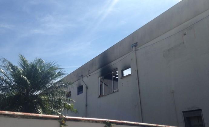 Alojamento dos jogadores do Guarany de Camaquã pegou fogo no dia 14 de março (Foto: Esther Dias / Divulgação)
