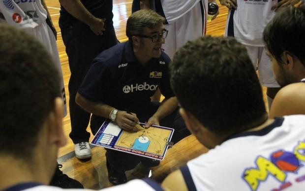 Mogi Basquete amistoso Paco orienta (Foto: Thiago Fidelix / Globoesporte.com)