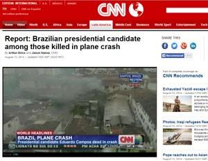 """""""CNN"""" noticia o acidente em texto e vídeo. (Foto: Reprodução)"""
