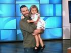 Adam Levine, do Maroon 5, conhece fã que chorou ao saber de casamento