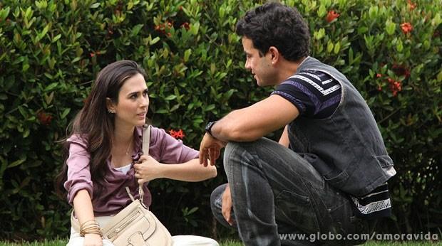 Carlito avisa a Valdirene que será um cantor muito famoso (Foto: Jacson Vogel/TV Globo)
