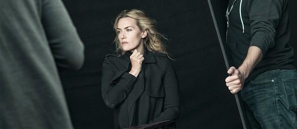 Kate Winslet é uma das atrizes fotografadas por Lindbergh:  (Foto: Divulgação/ Pirelli)