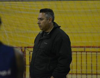 Júlio Malfi técnico Poá Basquete (Foto: Cairo Oliveira)