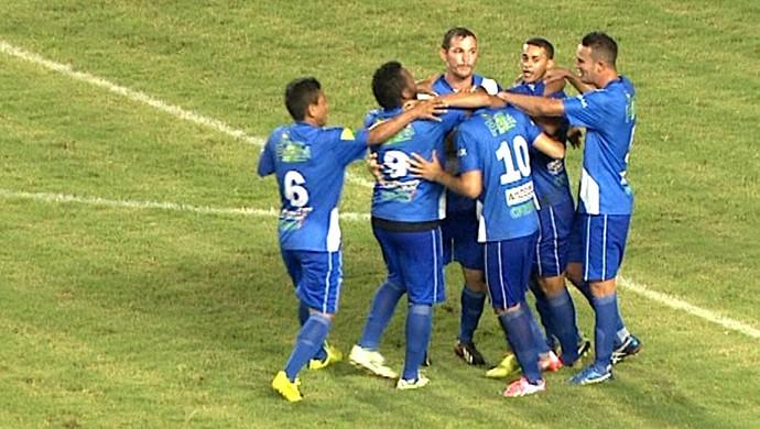 Jogadores da Amax comemoram gol contra o Rio Branco (Foto: Reprodução/TV Acre)