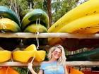 Karina Bacchi exibe barriga de grávida: '15 semanas'