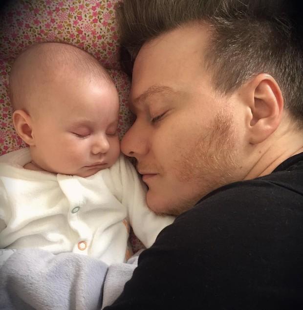 Michel Teló com a filha (Foto: Reprodução/Instagram)