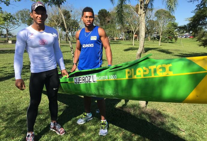 """Isaquias quer que ele e o irmão eternizem o nome """"Queiroz"""" na canoagem velocidade (Foto: Gabriel Fricke)"""