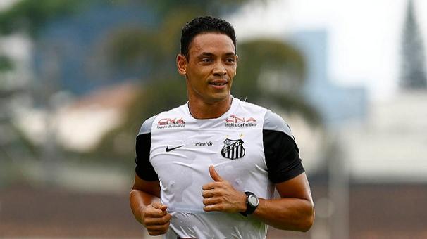 Ricardo Oliveira treina para o clássico contra o Corinthians (Foto: Divulgação/Santos FC)