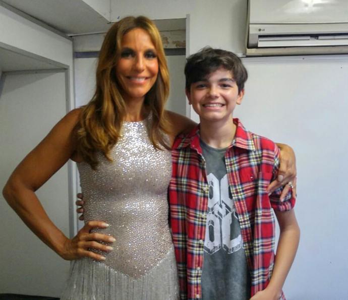 Ivete Sangalo posa ao lado de Lucas Marques, candidato do The Voice Kids (Foto: Arquivo Pessoal)
