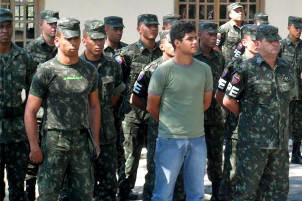 Plugue Dia de Soldado (Foto: Arquivo TV Rio Sul)