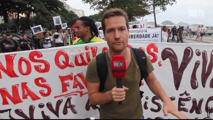 Repórter alemão acompanha protesto