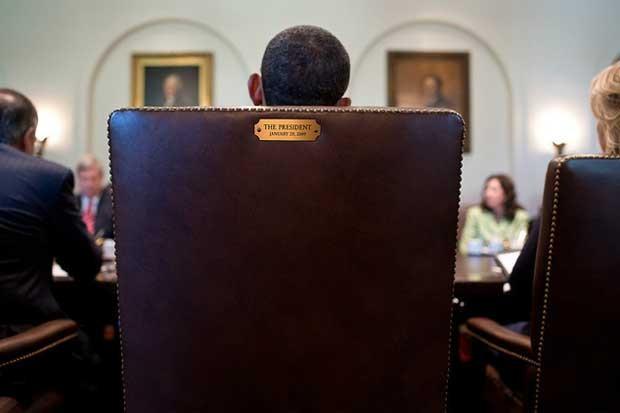 Imagem postada no perfil de Obama com o texto 'Esta cadeira está tomada' (Foto: Reprodução/Twitter)