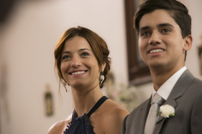 Ana Luiza e Edu são só sorrisos! (Foto: Raphael Dias/Gshow)