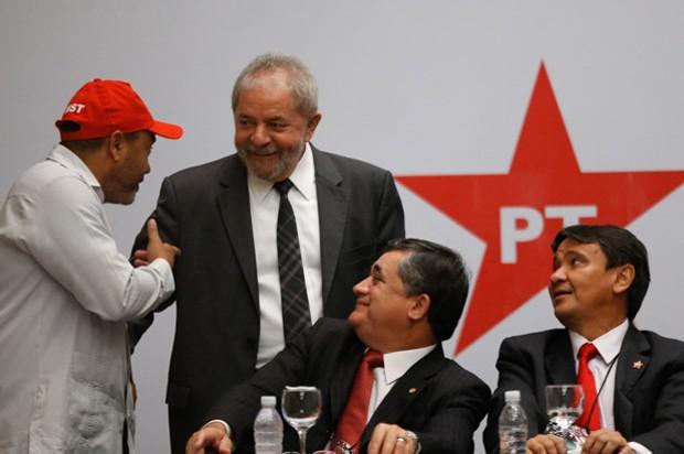 O ex-presidente Lula discursa em reunião do diretório nacional do PT, em Brasília (Foto: Dida Sampaio / Estadão Conteúdo)