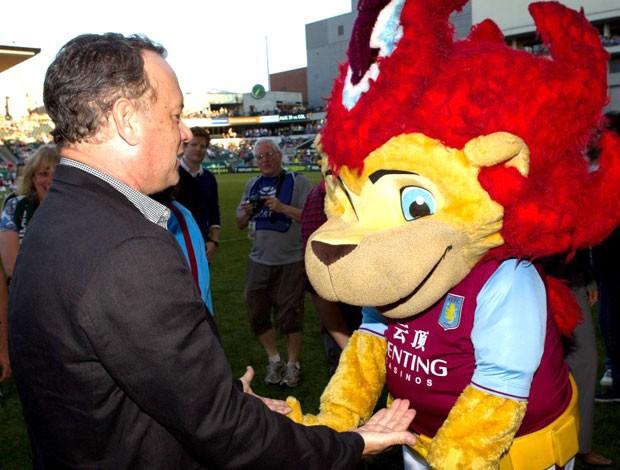 Tom Hanks no Aston Villa (Foto: Reprodução )