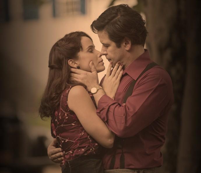 Verônica e Saulo vivem um realcionamento conturbado em 'Nada Será Como Antes' (Foto: Estevam Avellar / TV Globo)