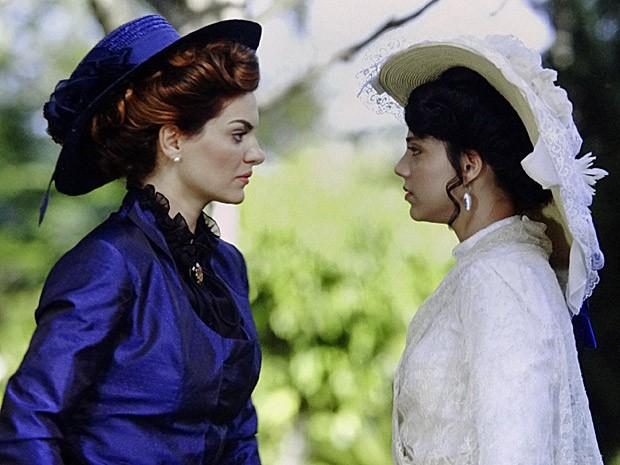 Em regressão, Miriam descobre que foi Alice em outra vida (Foto: Amor Eterno Amor/TV Globo)