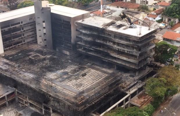 Prédio do TRT em construção ficou danificado após incêndio Goiânia Goiás (Foto: Reprodução/TRT)