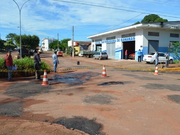 Atraso nas obras foram justificadas pela prefeitura com a burocracia nos processos licitatórios (Foto: Magda Oliveira/G1)