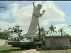Estátua de Frei Galvão é restaurada antes de ir para Aparecida do Norte