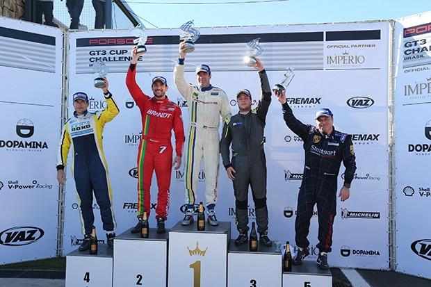 Pódio categoria Cup _ Corrida 2 (Foto: Divulgação/Luca Bassani/Porsche Império GT3)