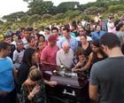 Ribeirão: corpo de atropelado  é enterrado (Rodolfo Tiengo/G1)