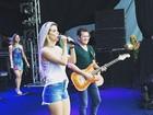 Thábata Mendes e Ximbinha passam som para primeiro show da XCalypso