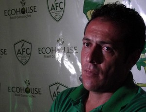 Técnico Maurílio Silva acredita em time forte para vencer o estadual (Foto: Jocaff Souza/GLOBOESPORTE.COM)