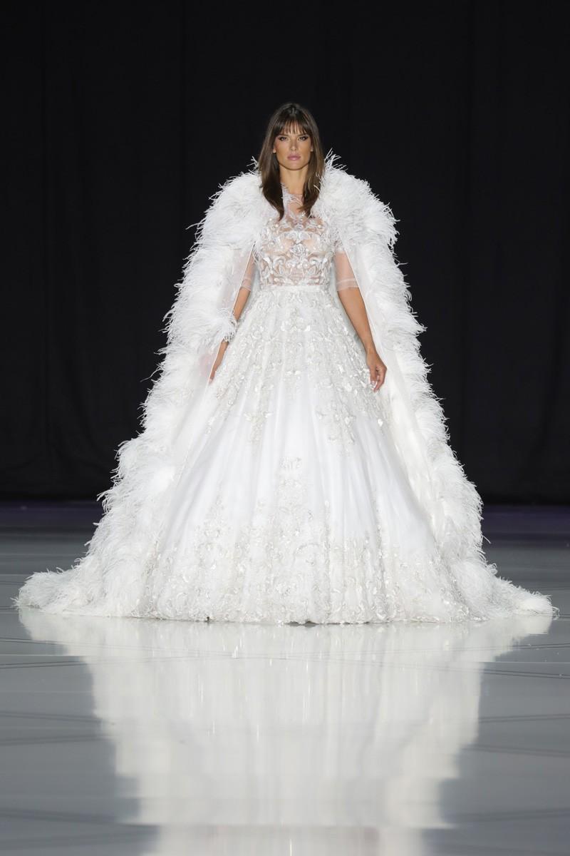 Alessandra Ambrosio como noiva da Ralph&Russo (Foto: Antonio Barros )
