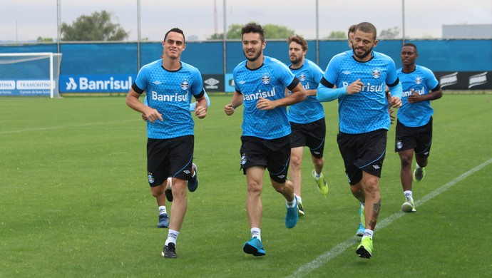 Edinho grupo do Grêmio  (Foto: Eduardo Moura/GloboEsporte.com)