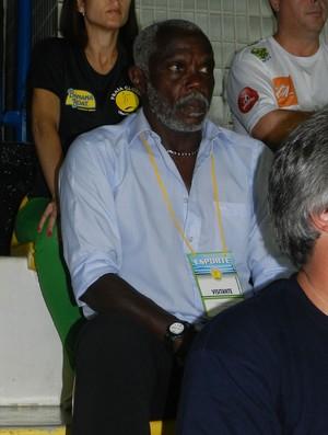 Cláudio Adão Praia Clube Superliga (Foto: Felipe Santos/GLOBOESPORTE.COM)